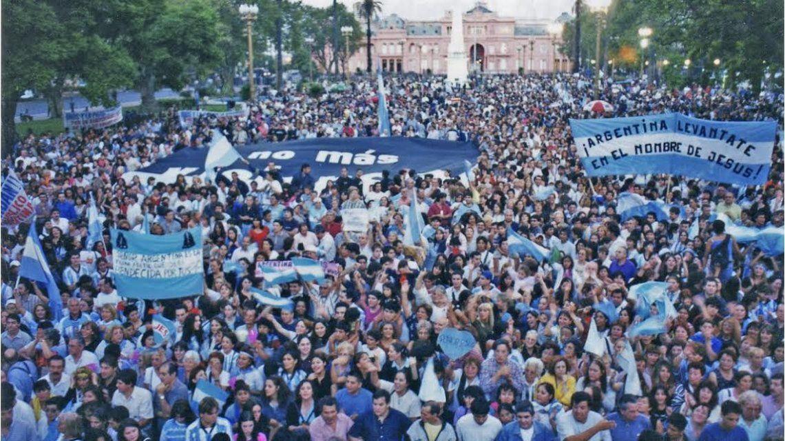 Convocan a orar por la recuperación de la Argentina en el Obelisco