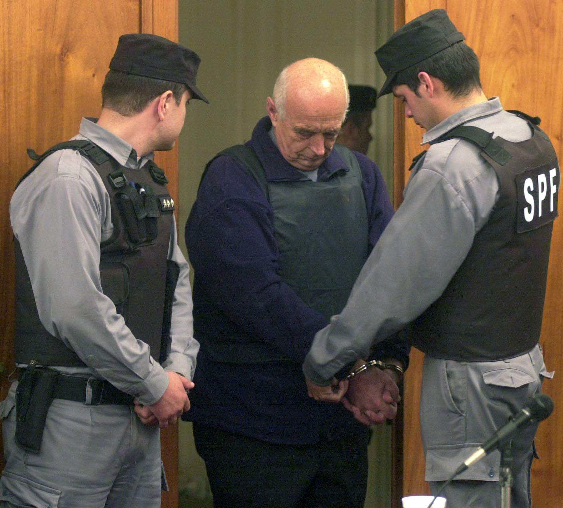 Christian Von Wernich al ser detenido tras el juicio