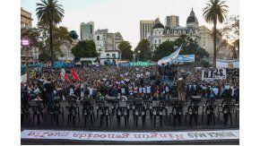 Masiva convocatoria de organizaciones políticas y sociales en repudio al beneficio al 2x1 a los genocidas.