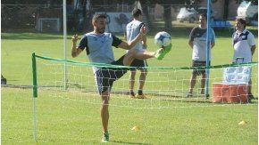 Emanuel Molina, durante un entrenamiento con el Decano
