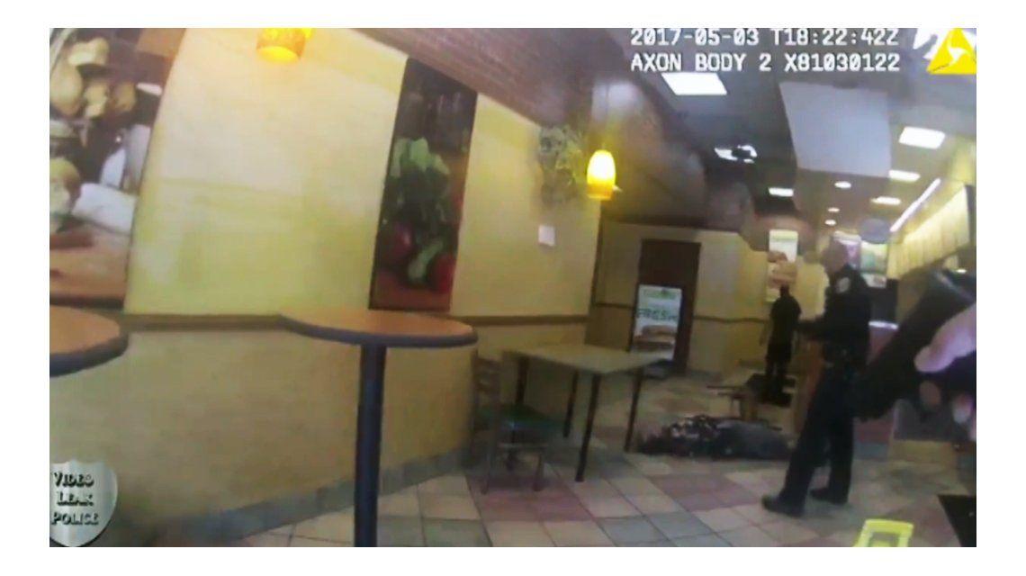 Un policía mató a un hombre en un restaurante de Estados Unidos