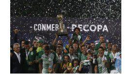 Atlético Nacional celebra la obtención de la Recopa Sudamericana