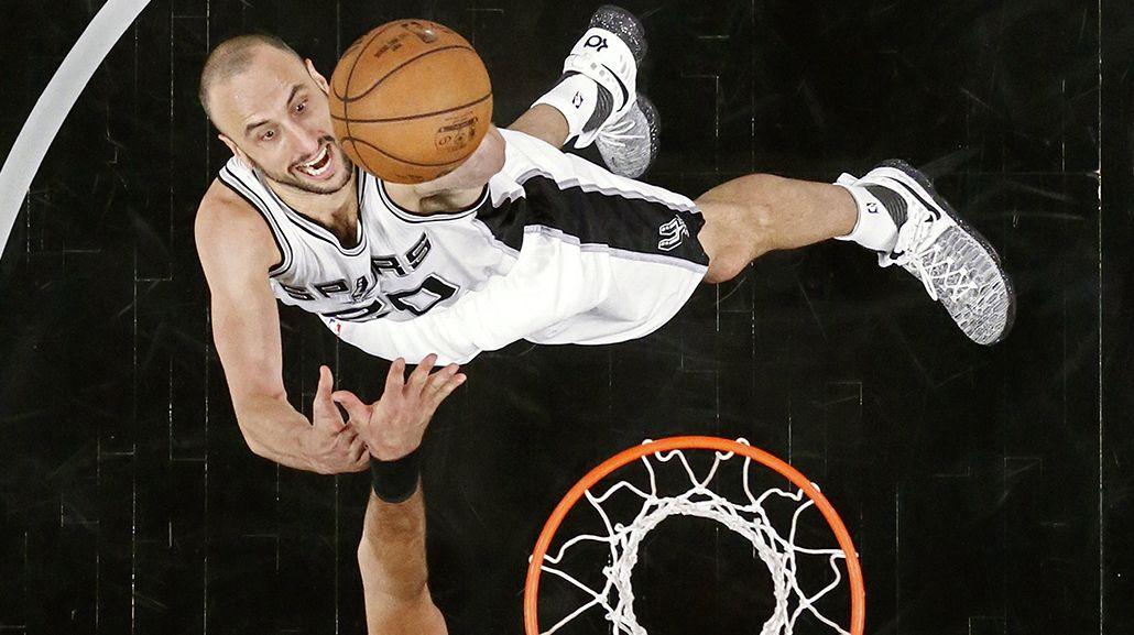 Manu Ginóbili la rompió en el triunfo de San Antonio Spurs ante Houston Rockets