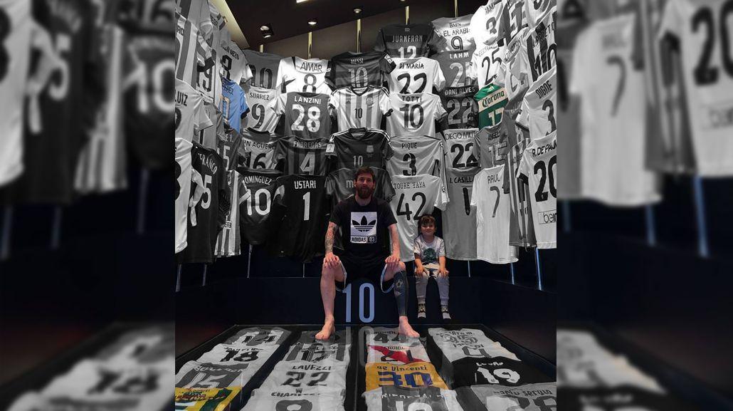 Las camisetas insólitas y llamativas ausencias en el museo de Messi