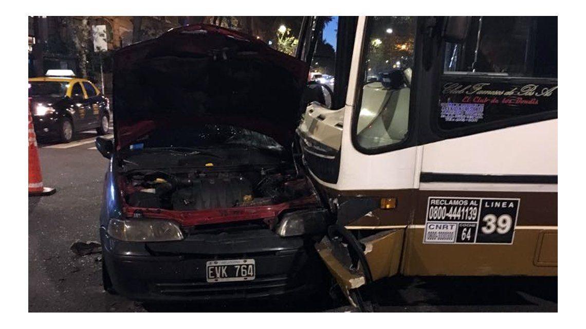 El accidente ocurrió en Avenida de Mayo y Salta