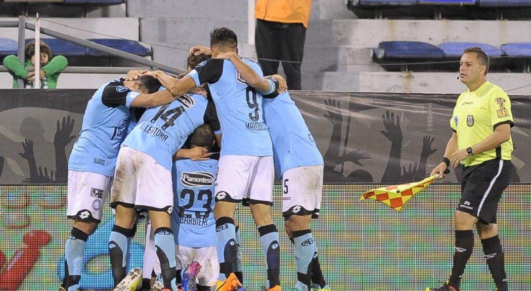 Vélez enfrenta a Belgrano - Crédito:lavoz.com.ar