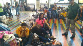 Los pasajeros contaban con la empresa Conviasa pero quedaron varados