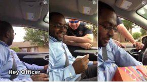el hombre fue detenido por el policía pero recibió la mejor noticia de su vida