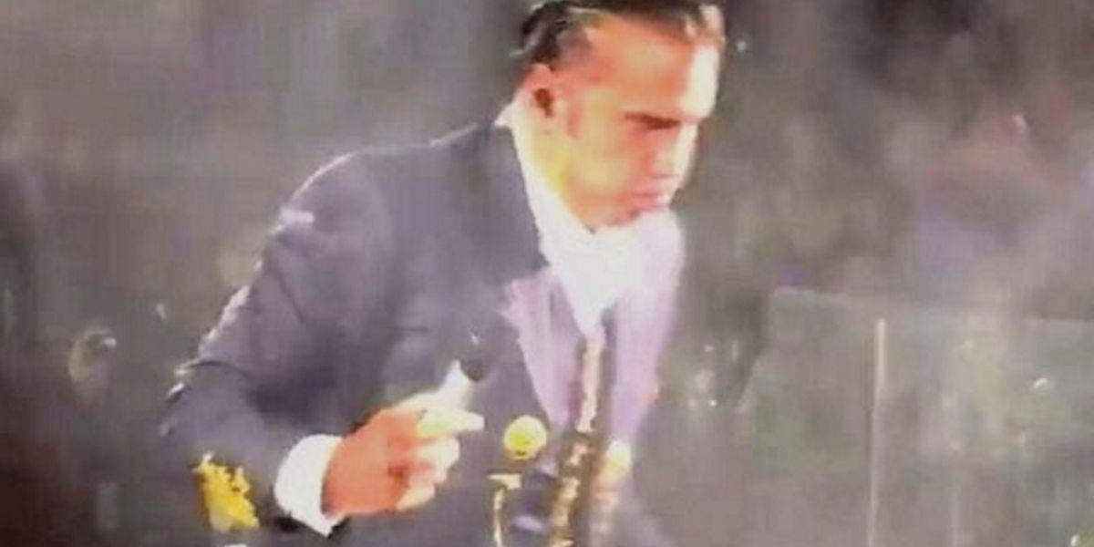 Alejandro Fernandez casi vomita
