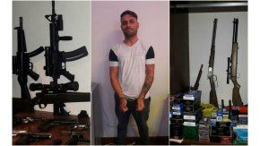 Alejandro Radetic y sus armas