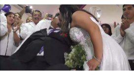 Para creer en el amor: sufre una enfermedad terminal y se casó en el hospital