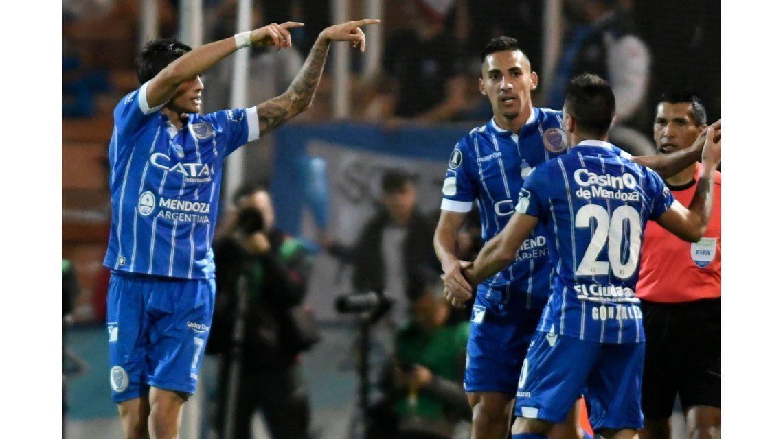 Godoy Cruz empató ante Libertad y es el primer equipo argentino en octavos