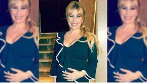 Flor Peña, embarazadísima de su tercer hijo