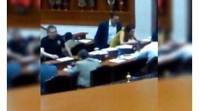 En México, un diputado tocó a una compañera en plena sesión