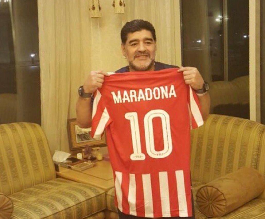 La 10 del nuevo equipo de Maradona ya lleva su nombre