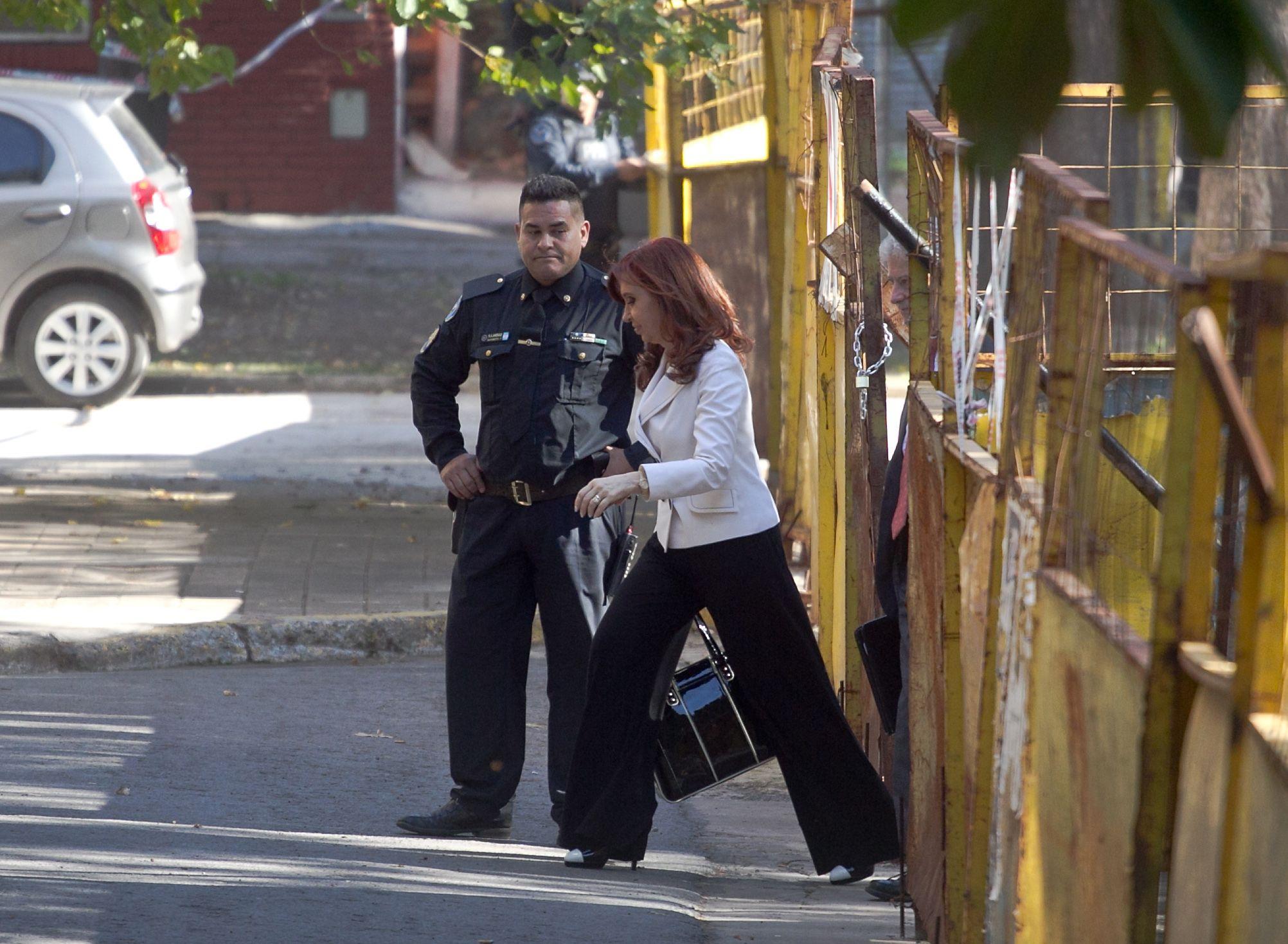 Cristina Kirchner ingresando a Comodoro Py<br>