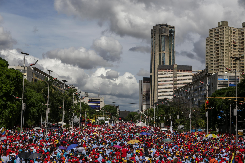 Manifestación de chavistas por el Día del Trabajador
