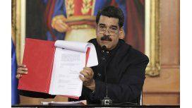 Nicolás Maduro convoca a reformar la Carta Magna