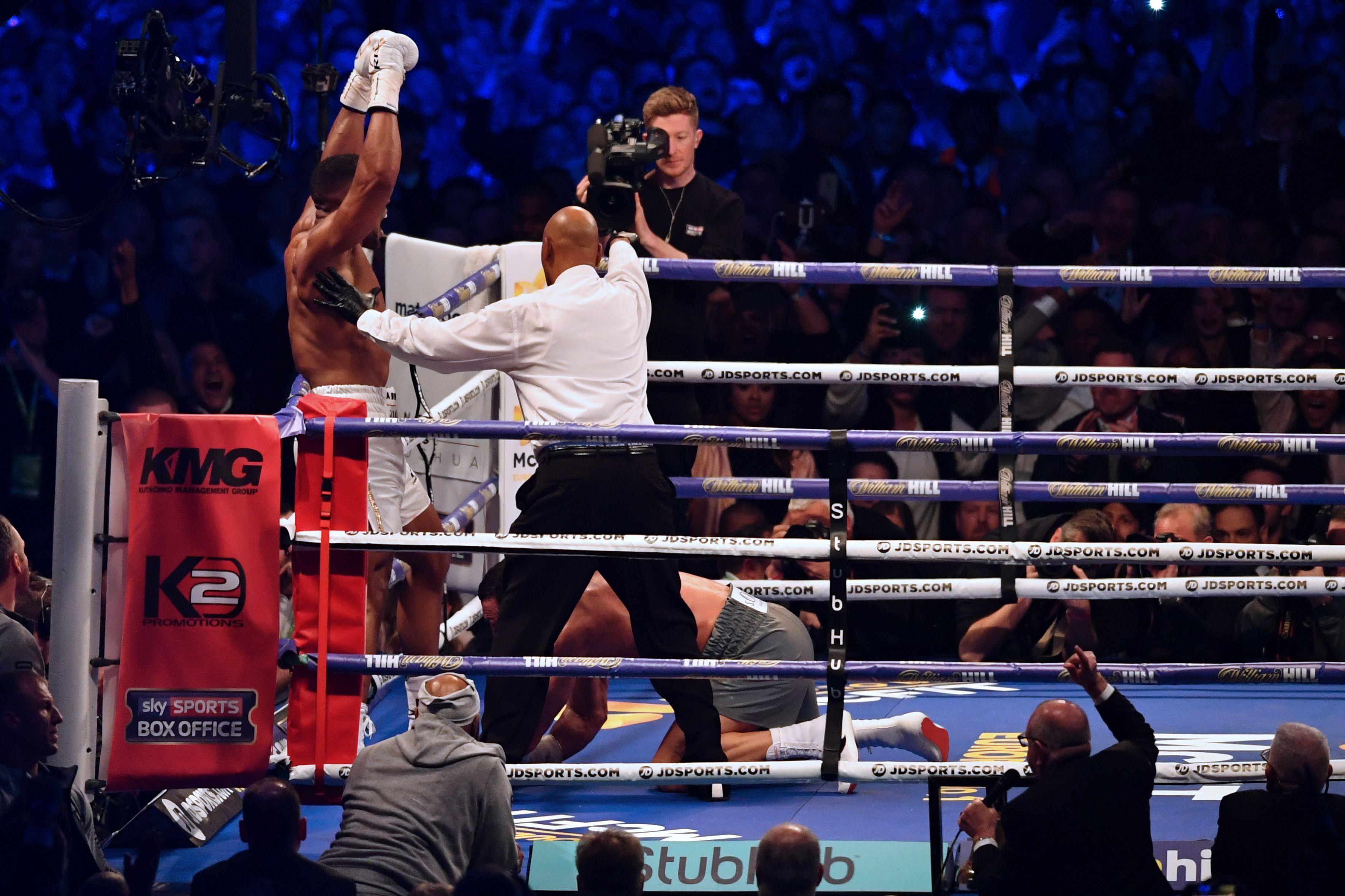La pelea entre Joshua y Klitschko duró 11 rounds