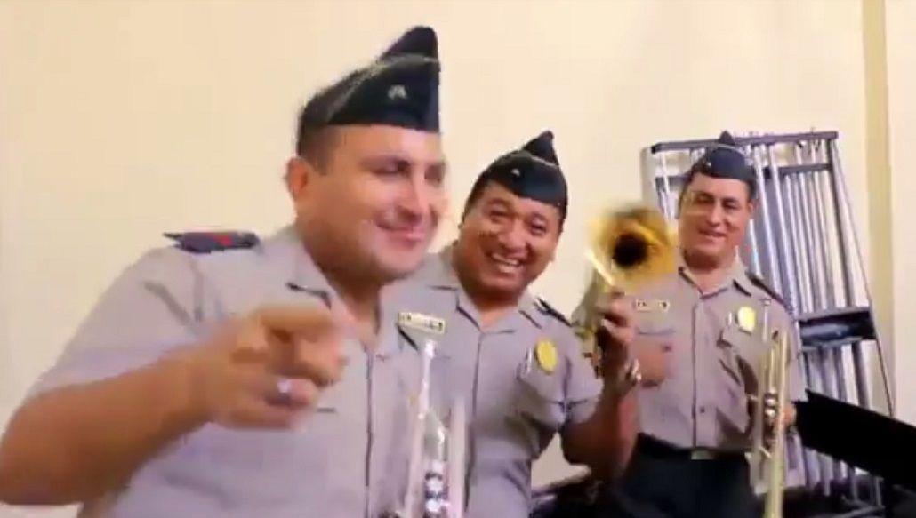La policía de Perú versionó Despacito