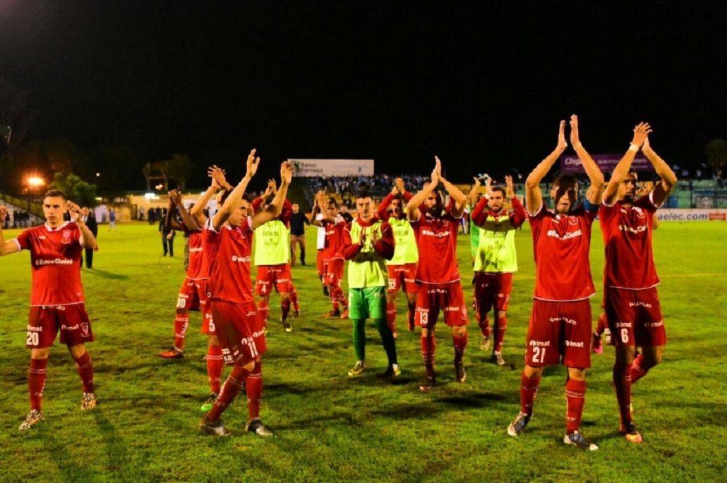 Festejo de Huracán tras la victoria ante el CADU