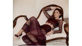 Débora Bello mostró de más en su vuelta al modelaje