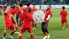 Con el chileno Vidal a la cabeza, el Bayern celebra el pentacampeonato