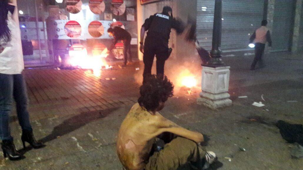 Un hombre que vive en la calle fue quemado por unas personas