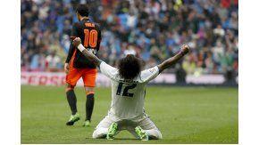 La felicidad de Marcelo en primer plano, detrás la desazón de Dani Parejo