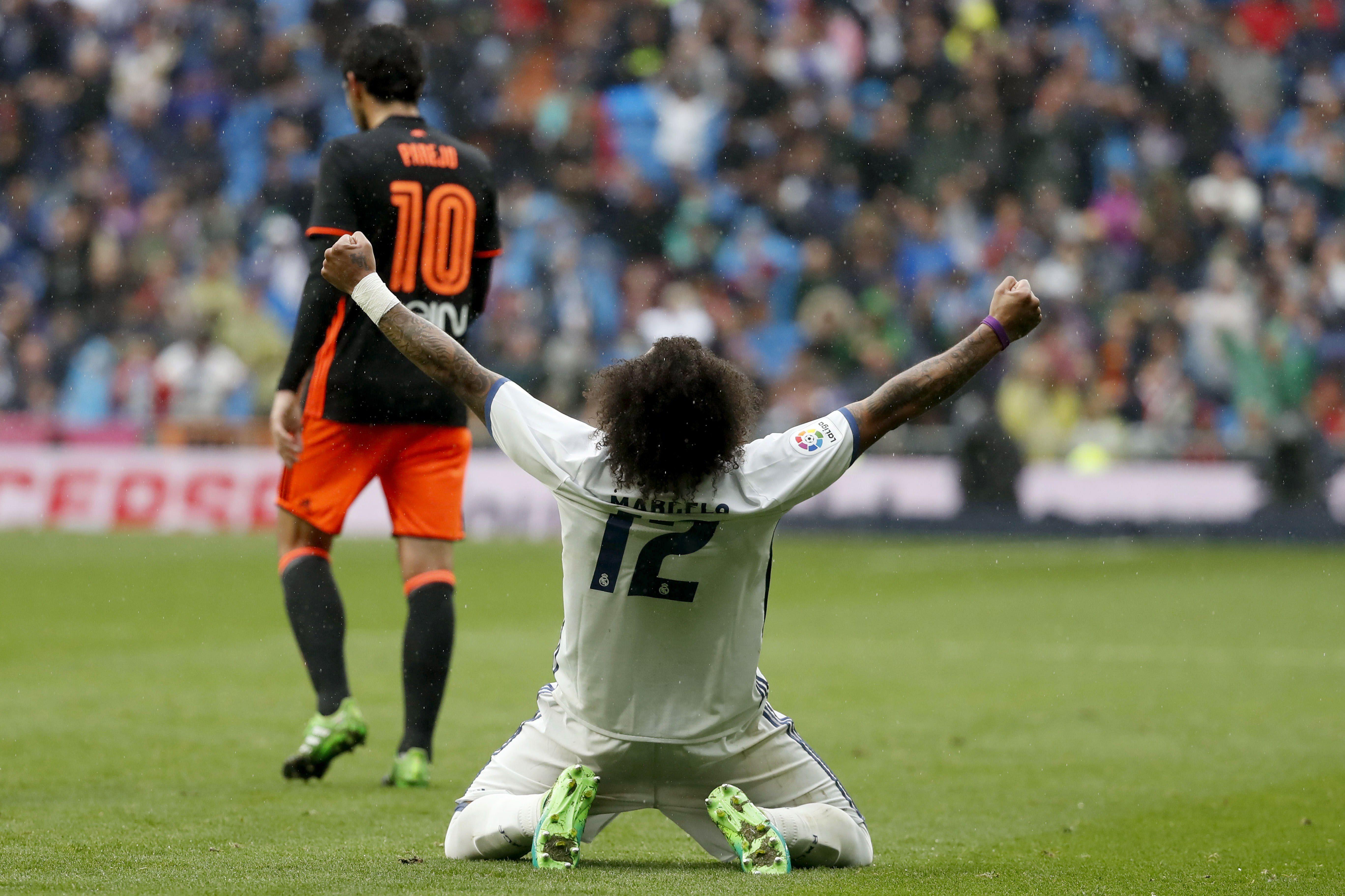 La felicidad de Marcelo en primer plano, detrás la desazón de Dani Parejo<br>