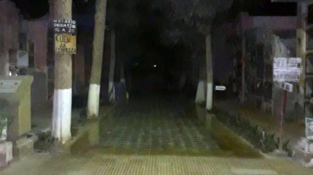 Un supuesto fantasma apareció en el cementerio de Jáchal