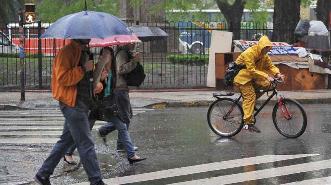 Las lluvias continuarán hasta este lunes a la tarde noche