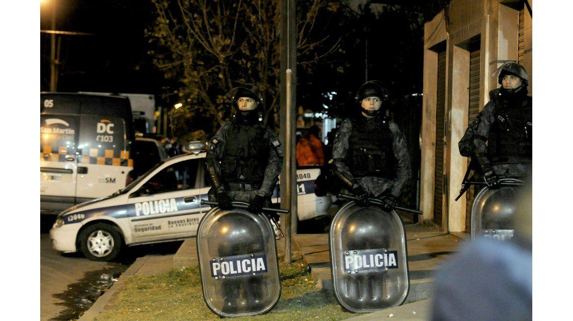 Tres policías quedaron apartados de la fuerza