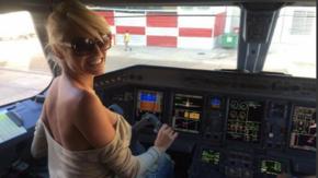 Vicky contó ante la Justicia qué pasó adentro de la cabina del avión
