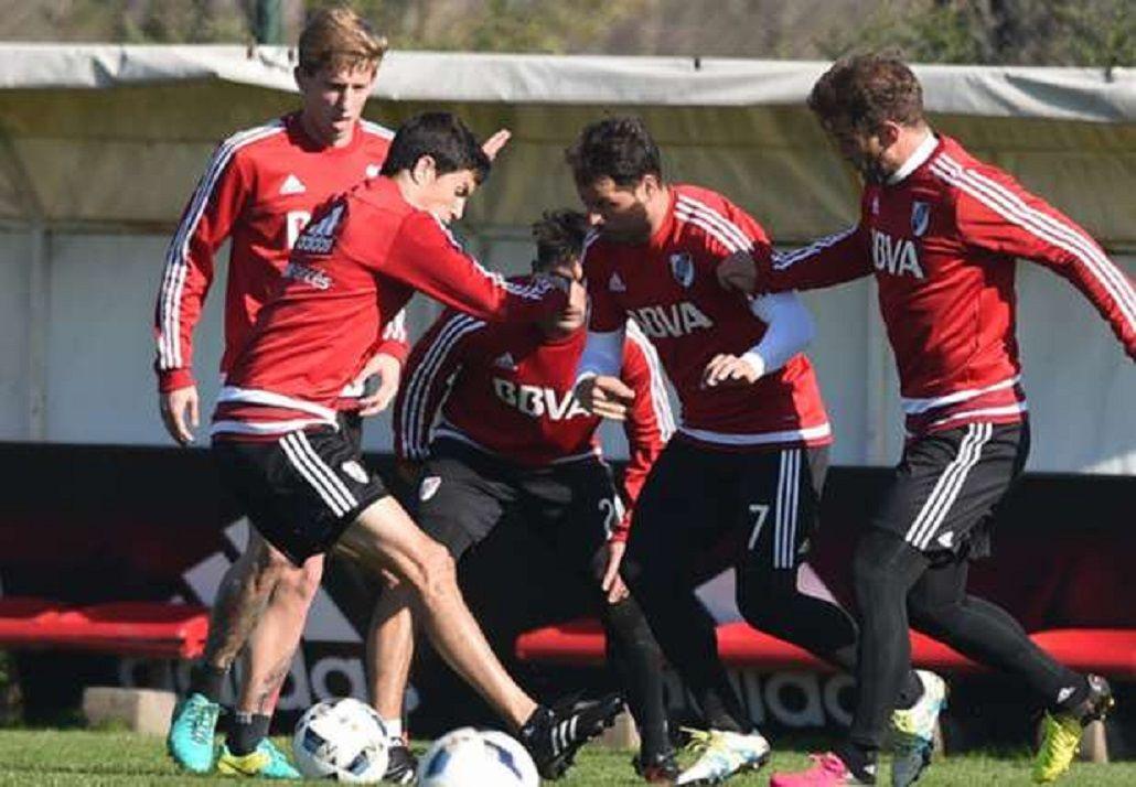 Rodrigo Mora llegó tarde al entrenamiento