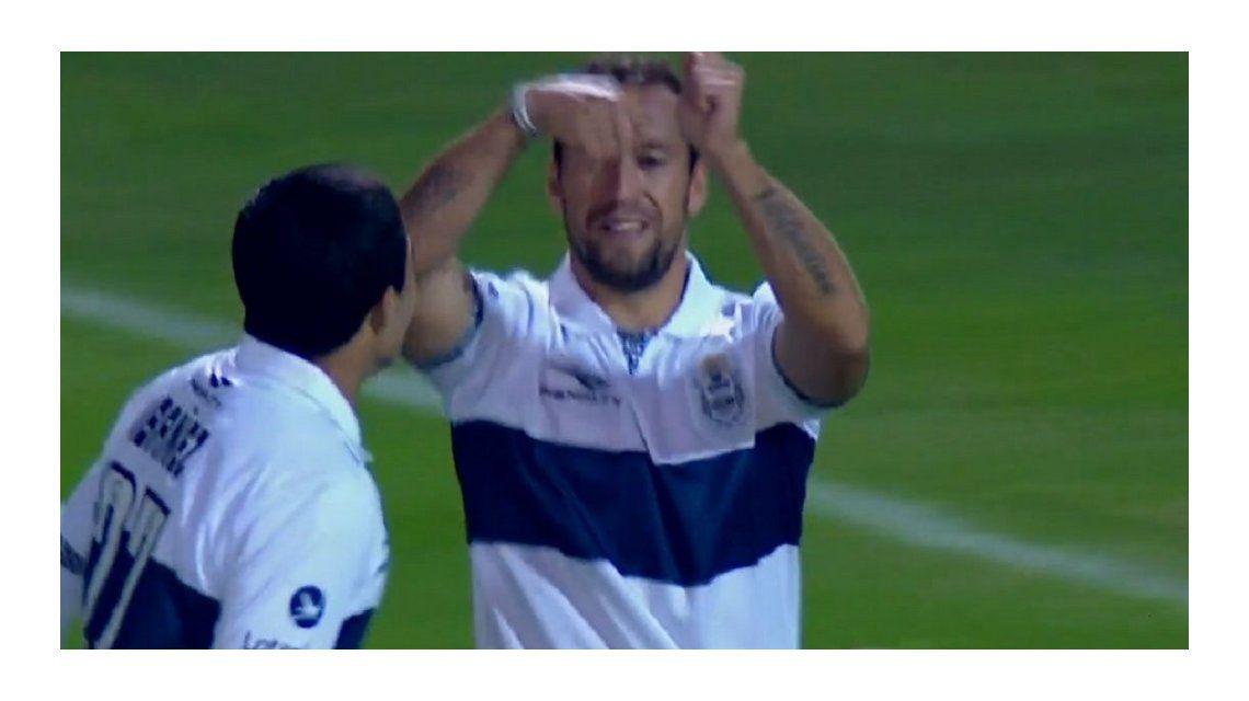 El uruguayo Alemán rompió el cero al minuto de juego