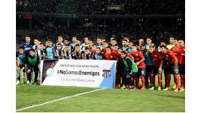 #NoSomosEnemigos, la bandera con la que posaron Belgrano, Talleres e Independiente