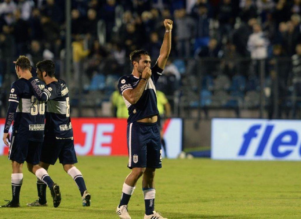 Fabián Rinaudo marcó un golazo para Gimnasia contra Aldosivi