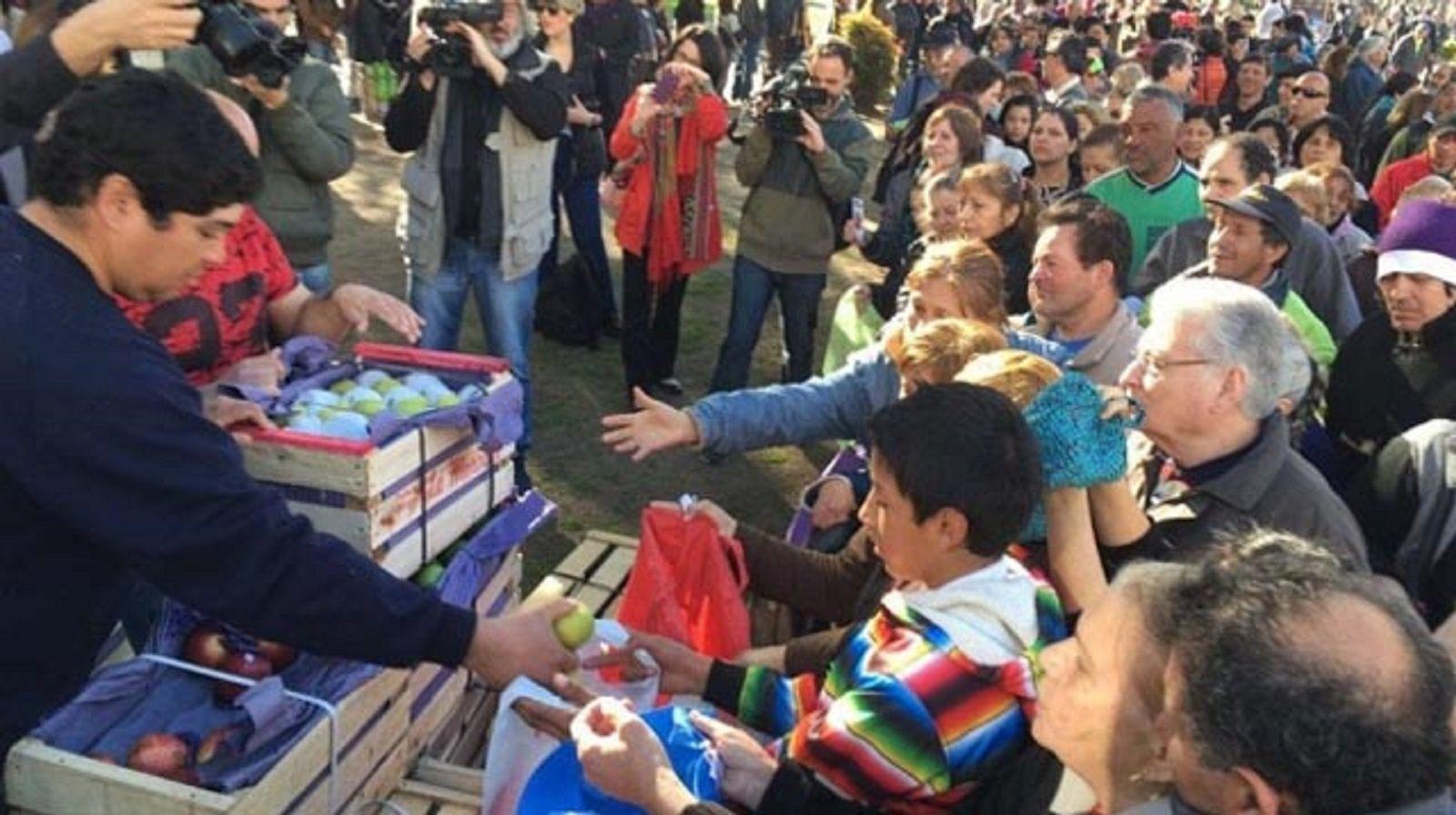 Nuevo verdurazo en Plaza de Mayo: regalarán 20 mil kilos de verdura