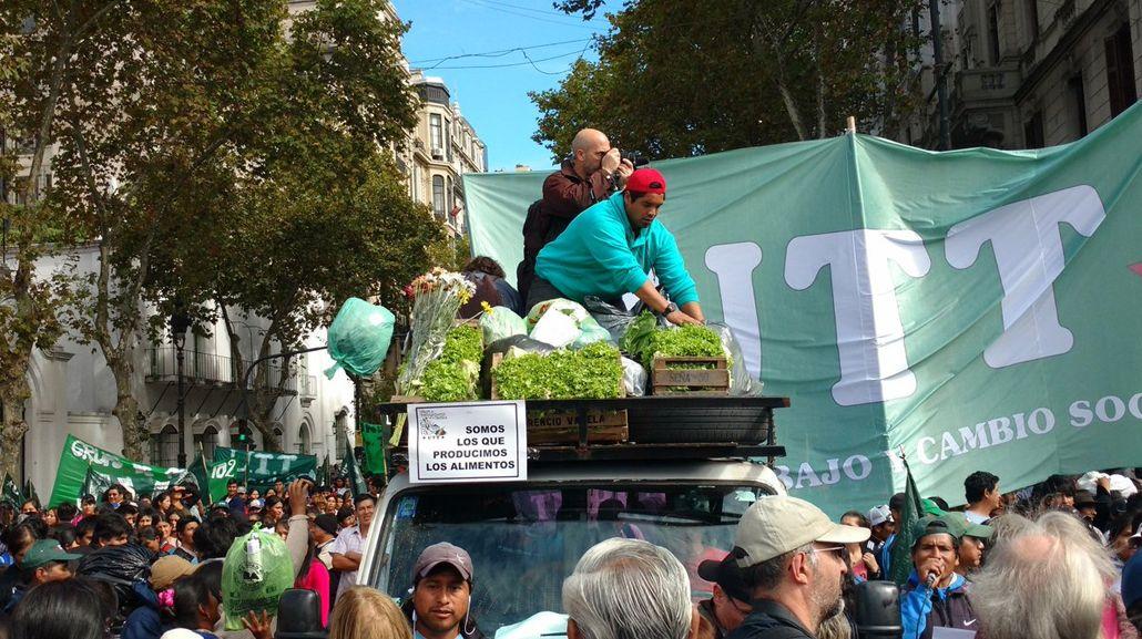 Verdurazo en Plaza de Mayo