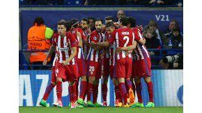 El festejo del plantel del Colchonero tras el gol de Saúl