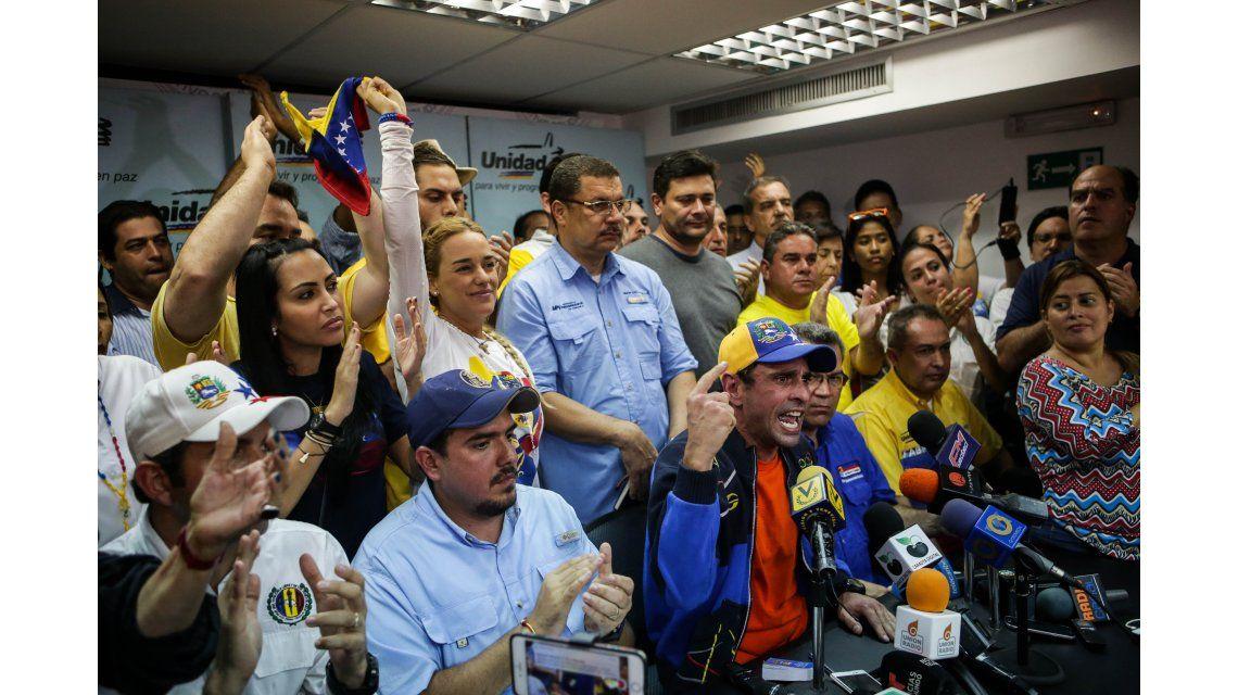 Henrique Capriles Radonski encabezó la conferencia de prensa de la oposición