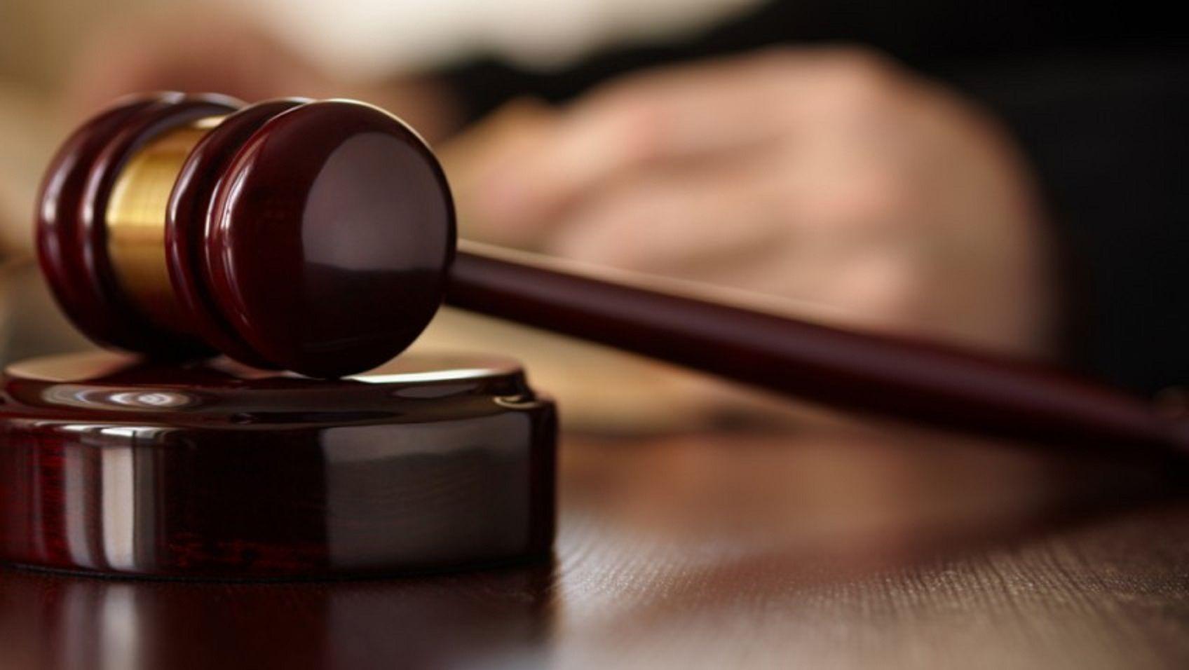 Confesó que abusaba de su hijastra de 11 años a cambio de una rebaja de pena
