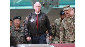 El vice de Estados Unidos visitó la zona desmilitarizada de las dos coreas