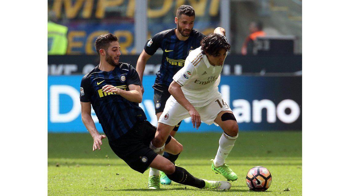 Inter y Milan empataron en el clásico
