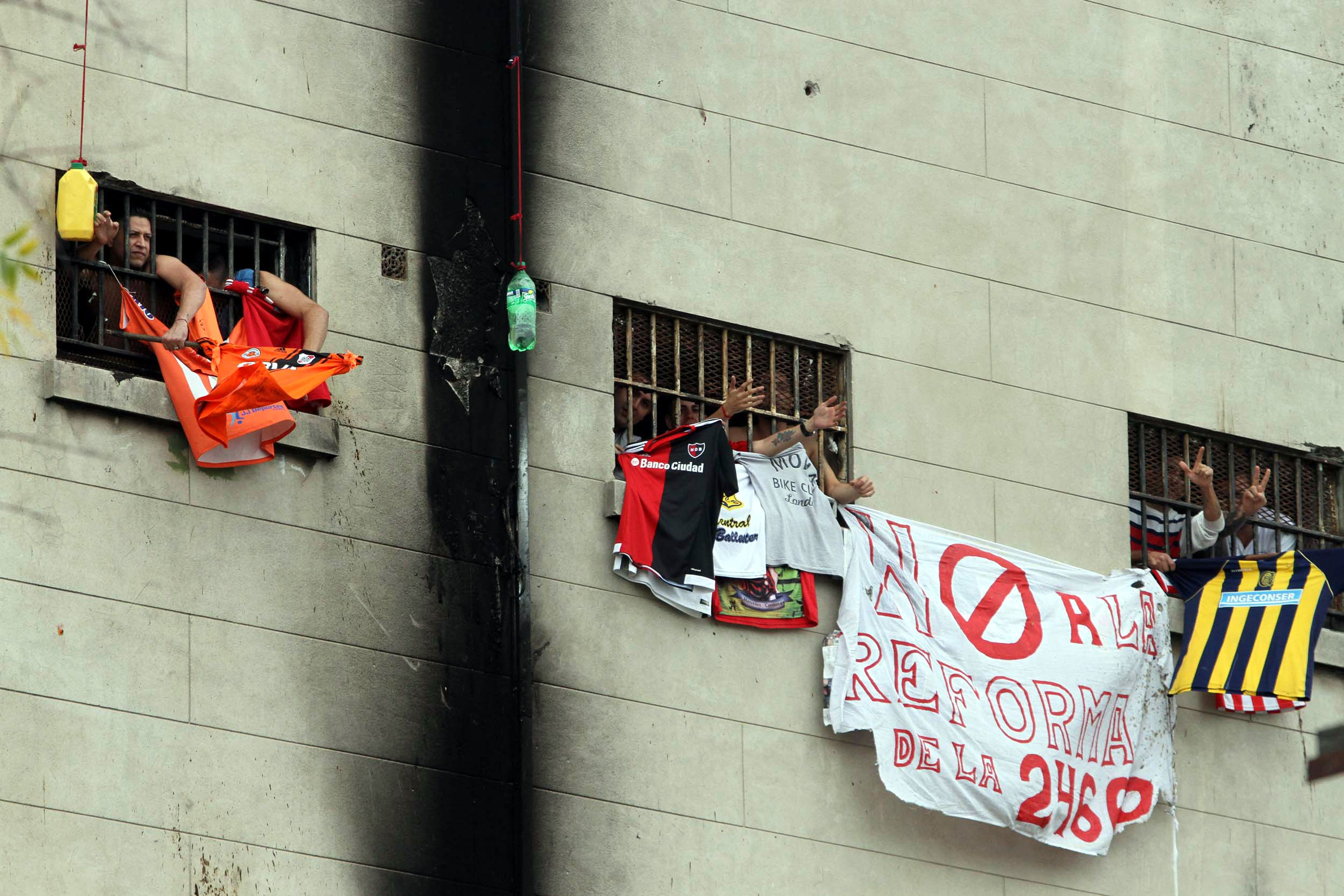 Cárcel de Devoto: presos iniciaron una huelga de hambre