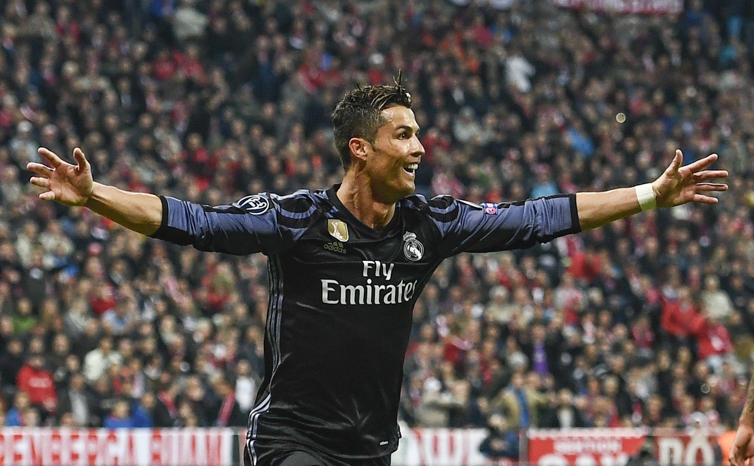El festejo de Cristiano al llegar a los 100 goles