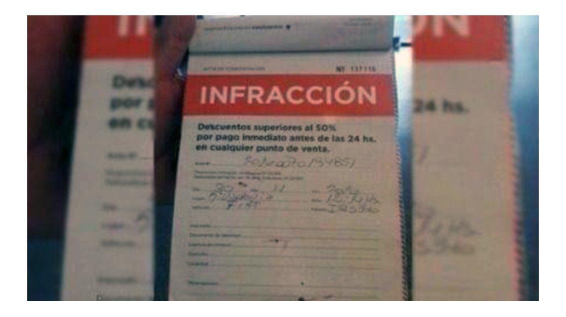 Conductor le pegó una trompada a una agente de tránsito en Mar del Plata