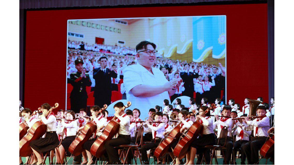 Kim Jong-Un en una pantalla durante el Día del Sol en Corea del Norte