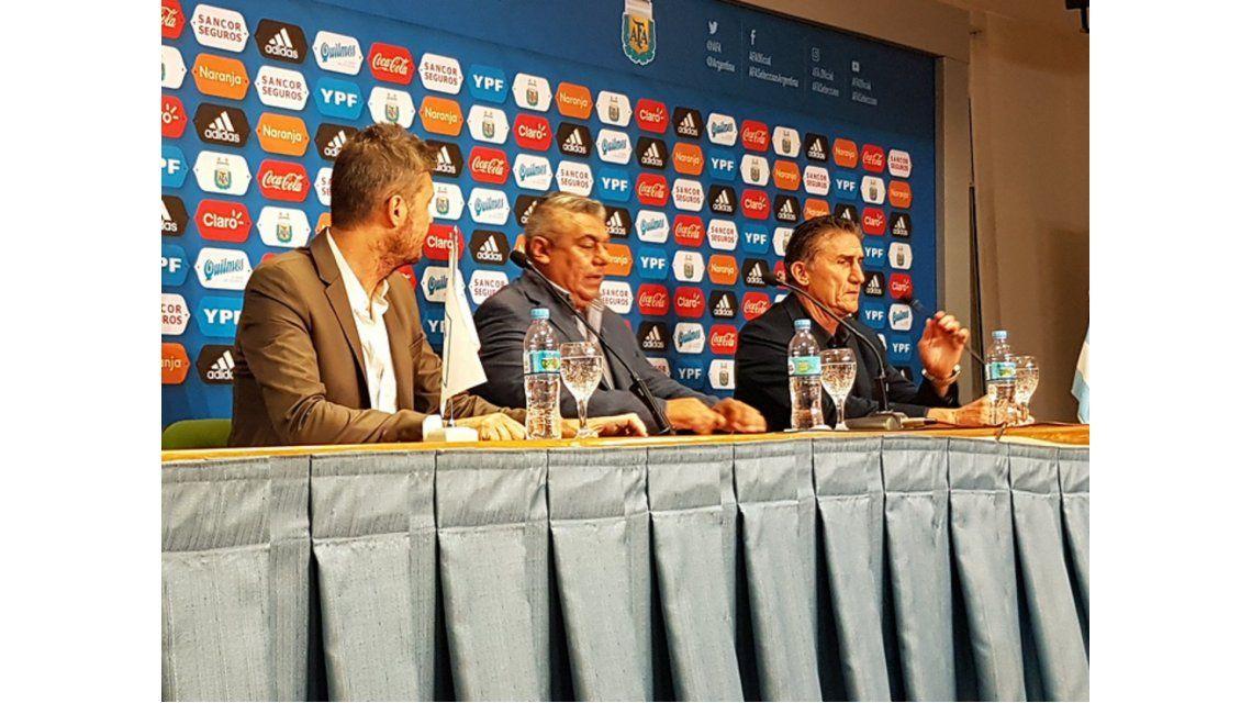 Con una conferencia de prensa
